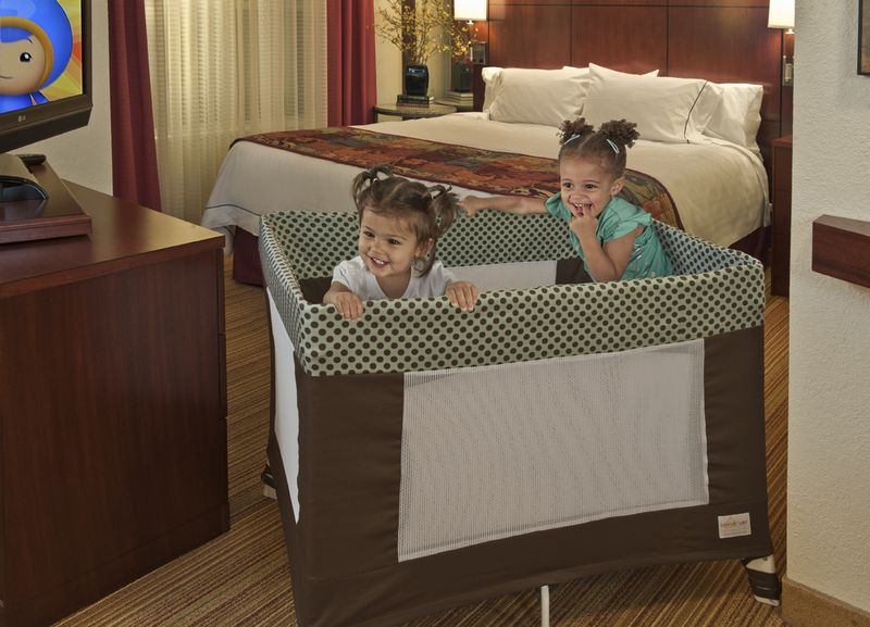 Travel Crib Featuring COVERPLAY Slip Cover